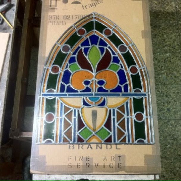 Vitrážové okná na hrobke Rakovských