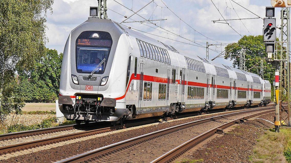 Nový vlakový cestovný poriadok zo stanice Príbovce-Rakovo
