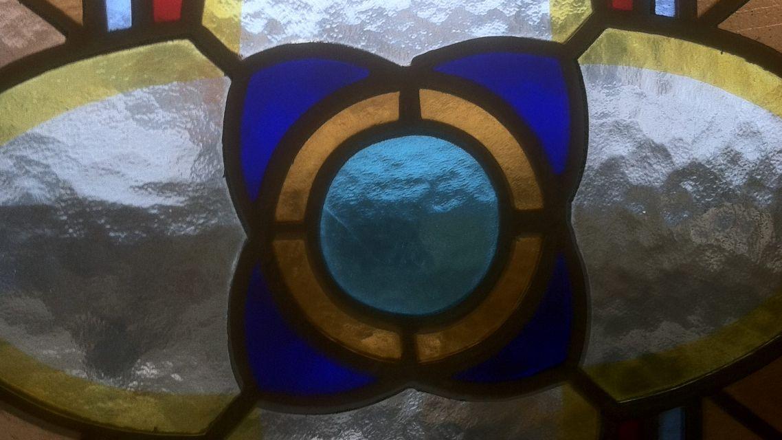 Okná na hrobke Rakovských
